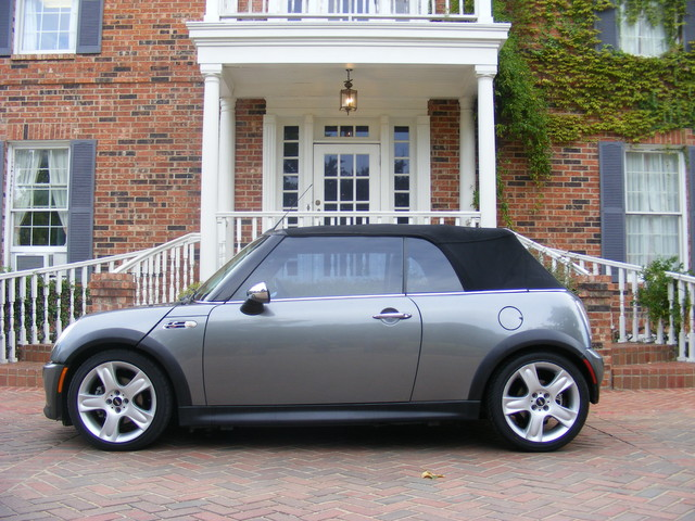 Photo 2006 MINI Cooper Convertible S 6-speed manual EXCELLENT CONDITION. MUST C