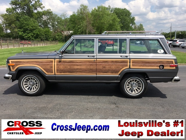 Photo PRE-OWNED 1990 JEEP GRAND WAGONEER 4WD
