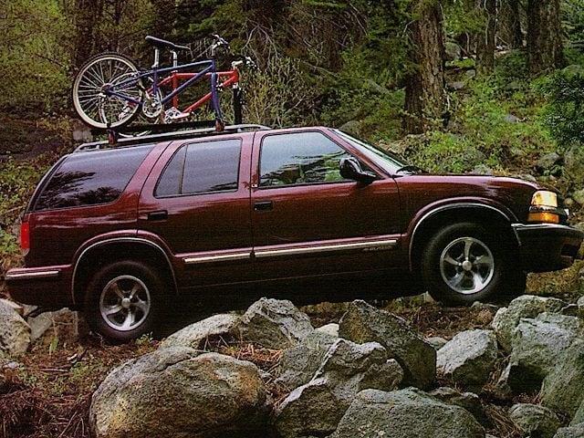 Photo Used 1998 Chevrolet Blazer SUV V6 SMPI 12V for Sale in Puyallup near Tacoma