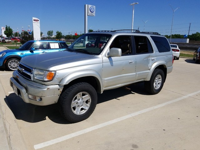 Photo 1999 Toyota 4Runner Limited SUV 4x4 in Irving, TX