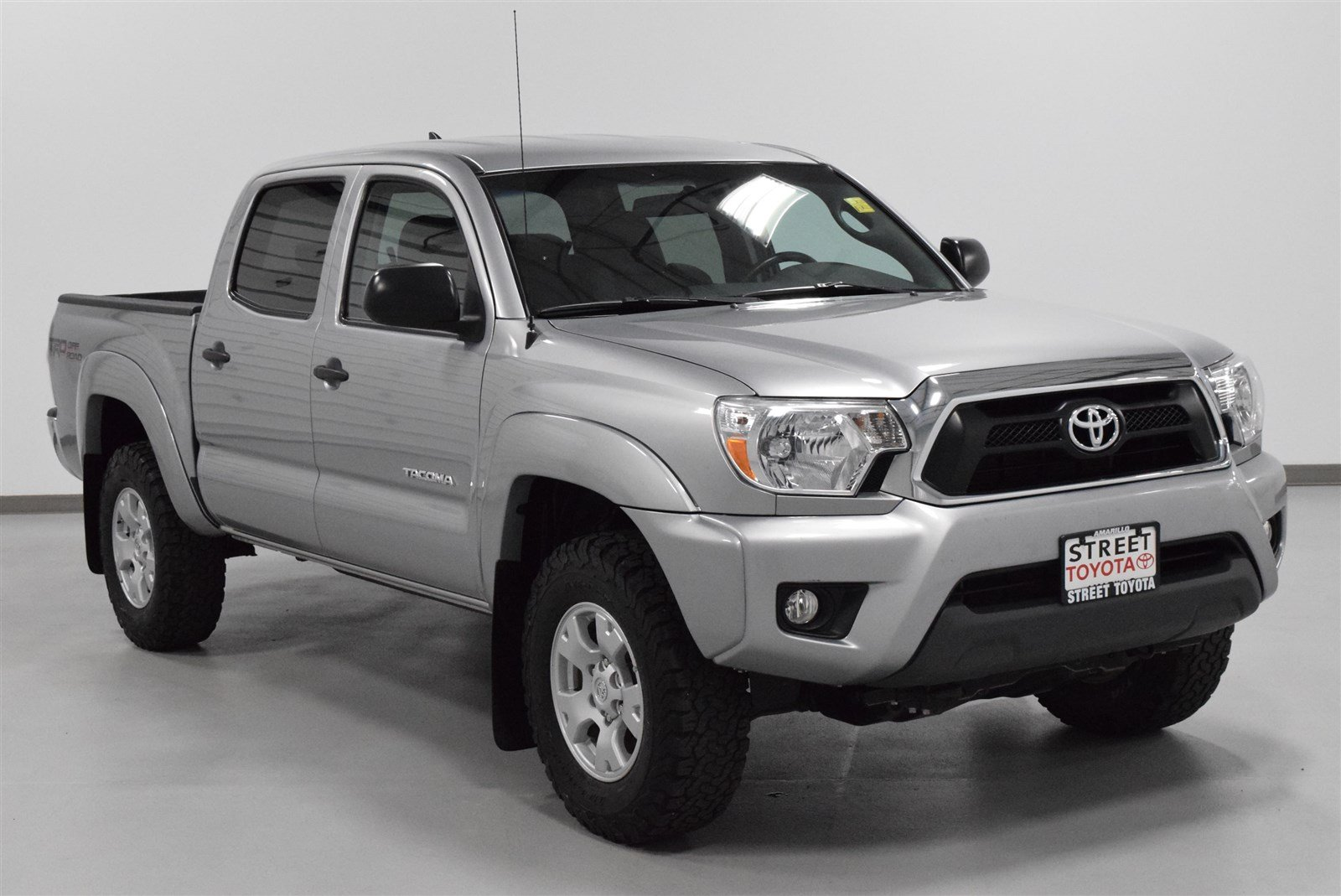 Photo Certified Pre-Owned 2015 Toyota Tacoma DBL CAB 4WD V6 MT 4WD For Sale in Amarillo, TX