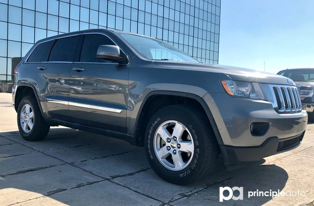Photo Used 2012 Jeep Grand Cherokee Laredo, Leather Seats, Towing Package. SUV For Sale San Antonio, TX