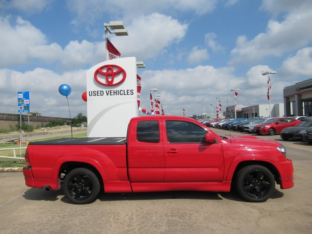 Photo Used 2008 Toyota Tacoma X-Runner Truck RWD For Sale in Houston