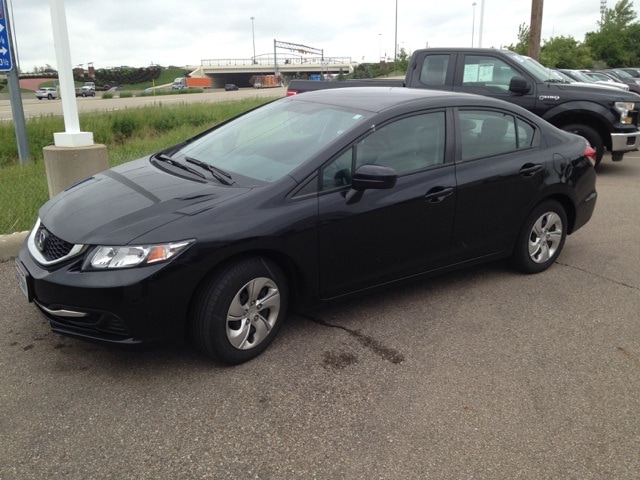 Photo Used 2015 Honda Civic LX For Sale in Monroe, OH