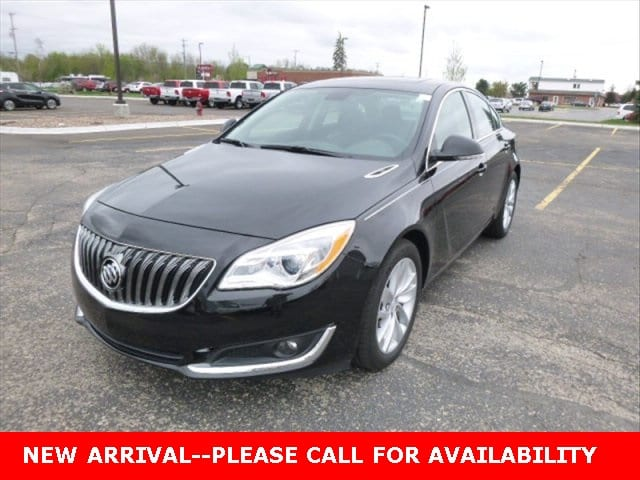 Photo Used 2015 Buick Regal Turboe-Assist Premium I Sedan for Sale in Stow, OH