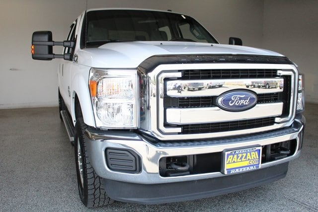 Photo Used 2016 Ford F-250 Truck Crew Cab in Merced, CA