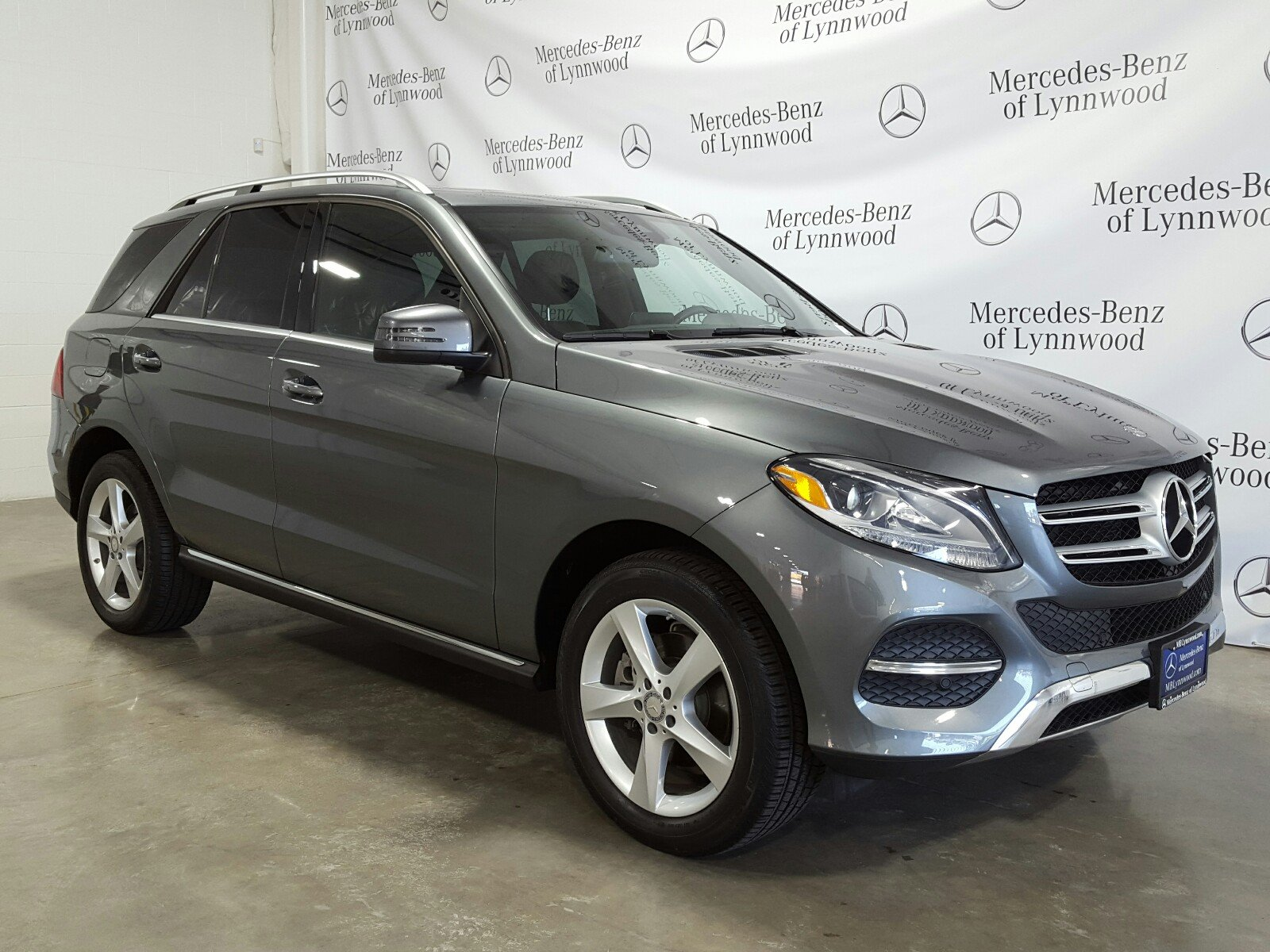 Photo Certified Pre-Owned 2017 Mercedes-Benz GLE 350 4MATIC