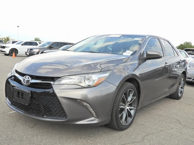 Photo 2016 Toyota Camry XSE Navigation, Sunroof, Push Button Start Sedan Front-wheel Drive 4-door