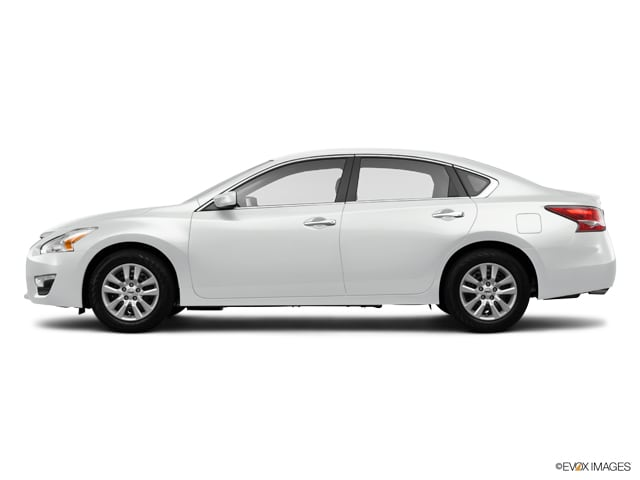 Photo Used 2014 Nissan Altima 4dr Sdn I4 2.5 S for Sale in Temecula