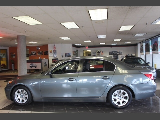 Photo 2004 BMW 525i for sale in Hamilton OH