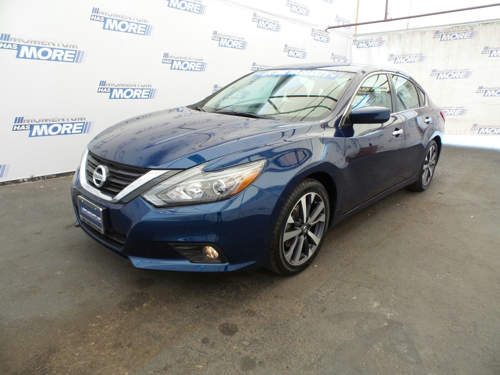 Photo Used 2016 Nissan Altima 2.5 SR Sedan in Fairfield CA