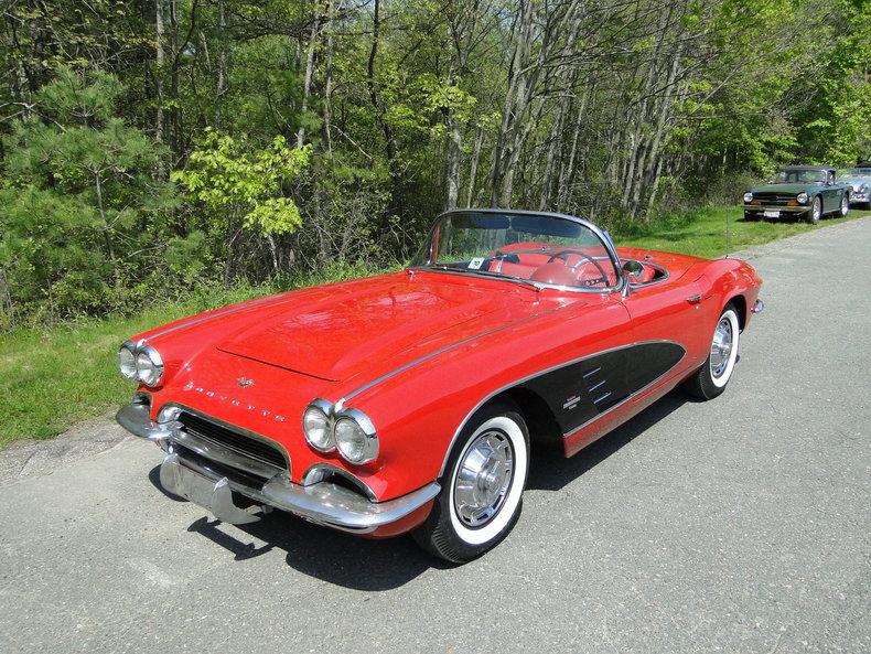 Photo 1961 Chevrolet Corvette 69,900