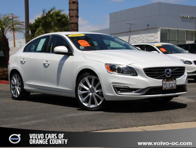 Photo Certified Used 2016 Volvo S60 Inscription T5 Drive-E Platinum FWD Sedan for sale in Santa Ana CA