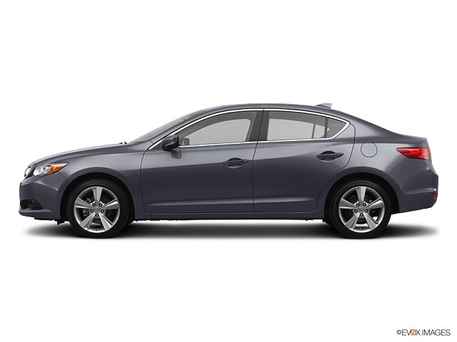 Photo 2013 Acura ILX 2.0L in Akron, OH 44312