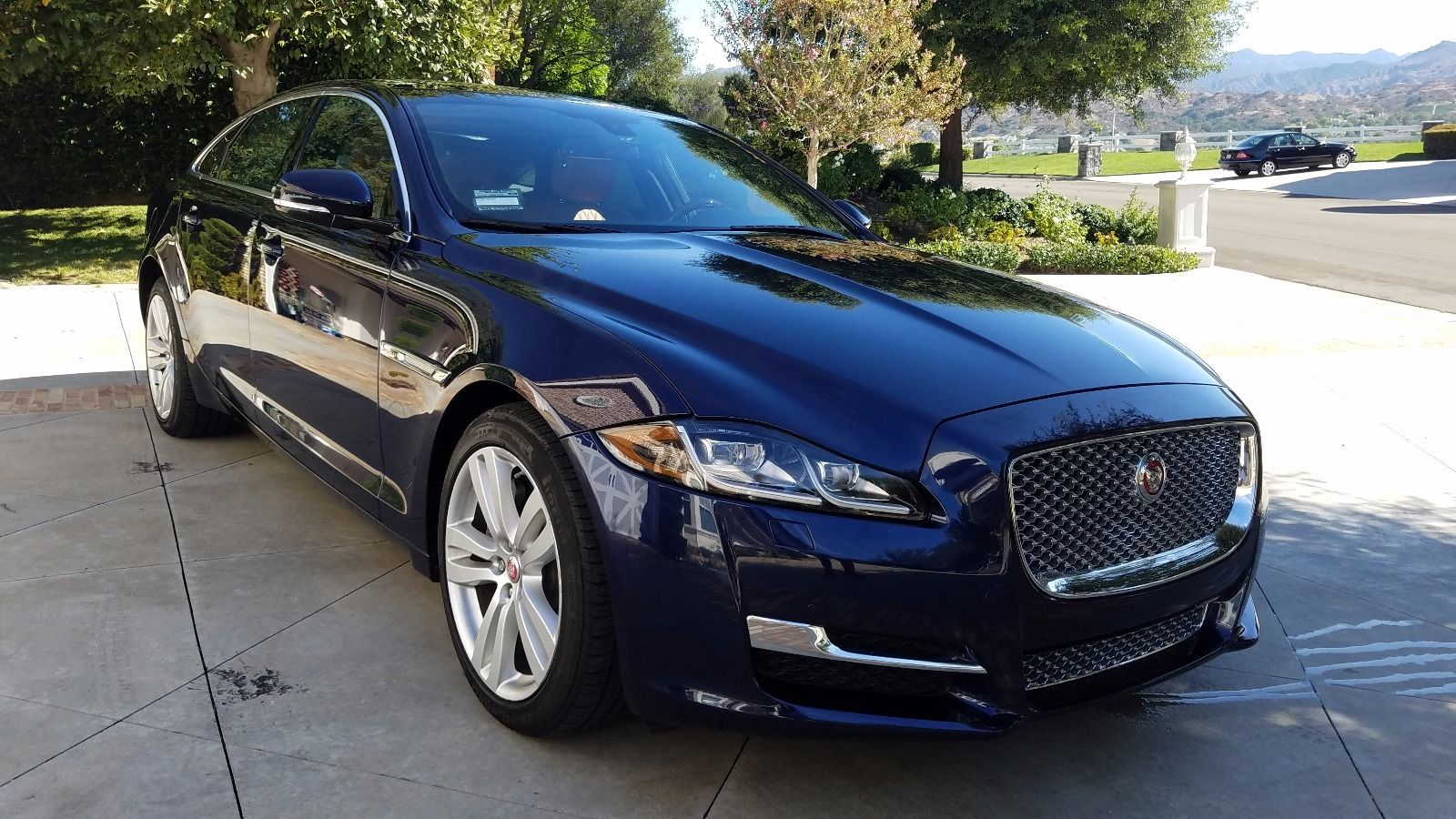 Photo Used 2016 Jaguar XJ For Sale  West Chester PA
