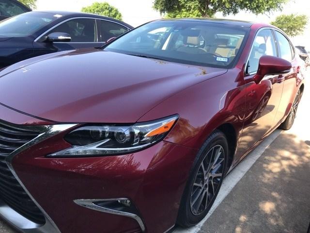 Photo Pre-Owned 2016 LEXUS ES 350 350 Sedan For Sale in Frisco TX