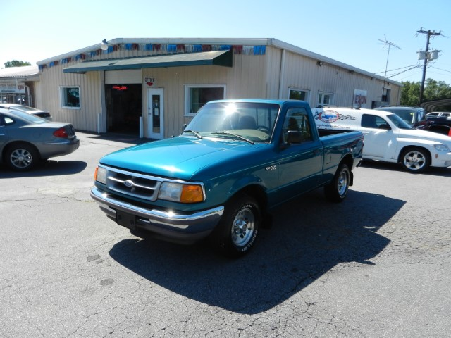 Photo 1997 Ford Ranger XL Reg. Cab Short Bed 2WD