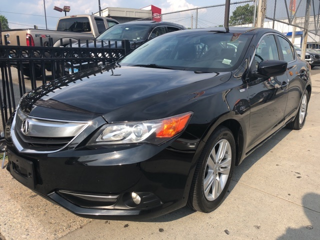 Photo Certified Pre-Owned 2013 Acura ILX Hybrid Hybrid with Technology Package FWD 4D Sedan