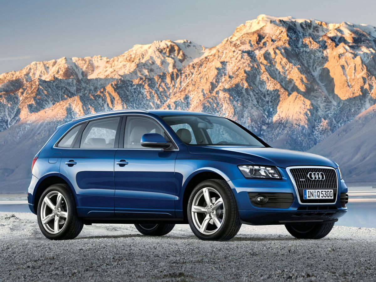 Photo Used 2010 Audi Q5 SUV For Sale in West Palm Beach, FL