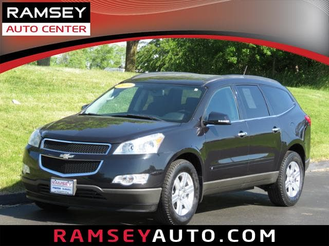 Photo Used 2010 Chevrolet Traverse FWD LT w1LT For Sale near Des Moines, IA