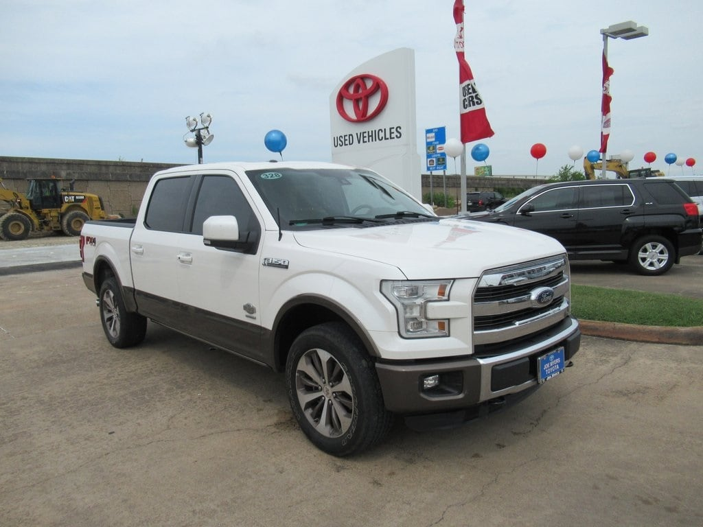 Photo Used 2015 Ford F-150 King Ranch Truck 4WD For Sale in Houston
