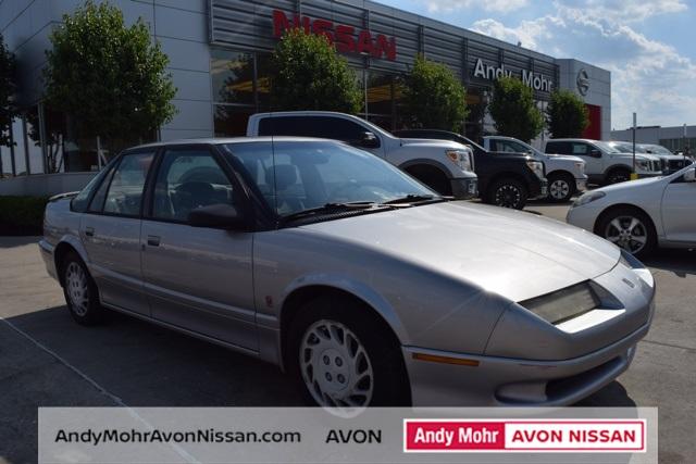Photo Pre-Owned 1995 Saturn SL2 Base FWD 4D Sedan
