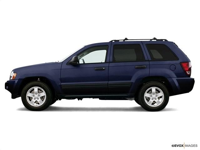 Photo 2006 Jeep Grand Cherokee Laredo SUV For Sale in Bakersfield