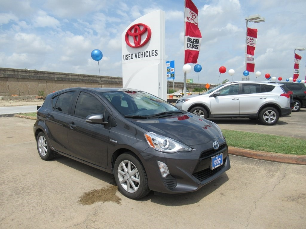 Photo Used 2016 Toyota Prius c Three Hatchback FWD For Sale in Houston