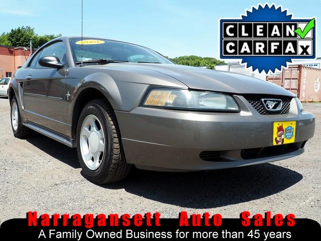 Photo 2001 Ford Mustang V-6 Auto Air Full Power CD Only 117K Super Clean