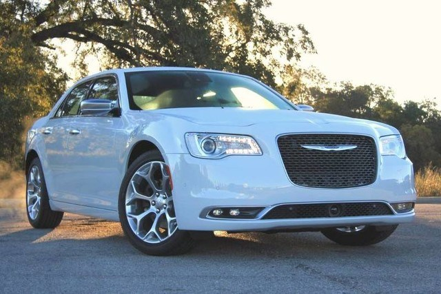Photo Used 2018 Chrysler 300 Heated Leather Interior 20 inch Wheels in Ardmore, OK