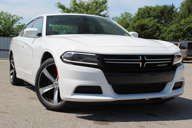Photo Used 2017 Dodge Charger Black Top Package Dealer Demo Low Miles Non Smoker in Ardmore, OK