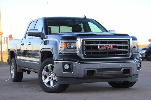 Photo Used 2015 GMC Sierra 1500 4X4 PRISTINE CONDITION ONE OWNER LOW MILES in Ardmore, OK