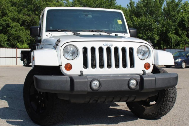 Photo Used 2012 Jeep Wrangler Unlimited LIMITED ARCTIC EDITION LOADED in Ardmore, OK