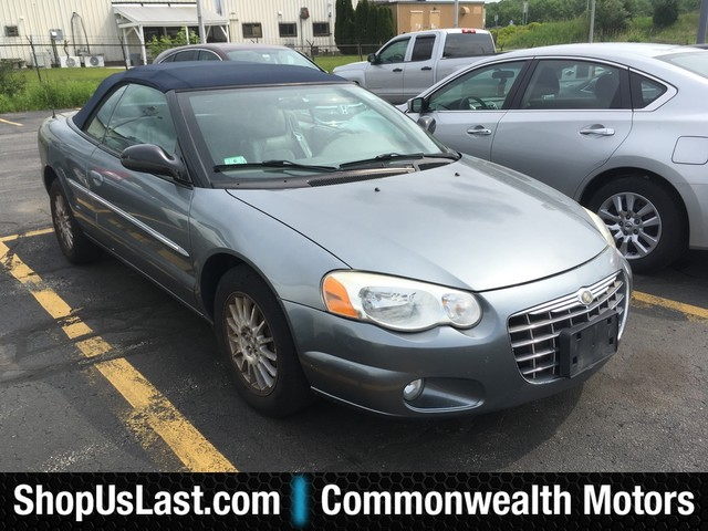 Photo Pre-Owned 2006 Chrysler Sebring Conv Touring Front Wheel Drive Coupe