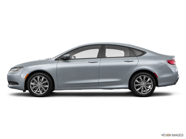 Photo Used 2016 Chrysler 200 S Sedan Automatic Front-wheel Drive in Chicago, IL