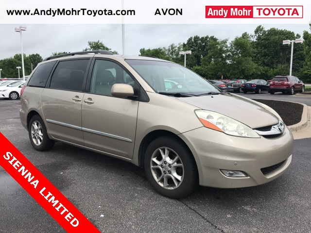 Photo Pre-Owned 2006 Toyota Sienna XLE Limited FWD 4D Passenger Van