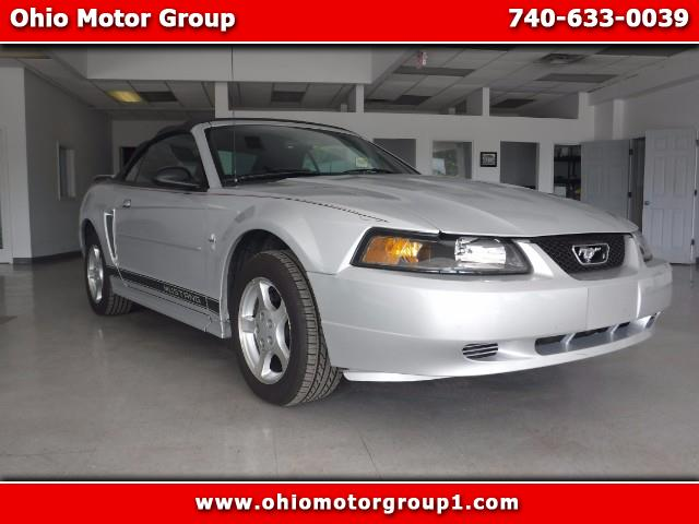 Photo 2003 Ford Mustang Deluxe Convertible
