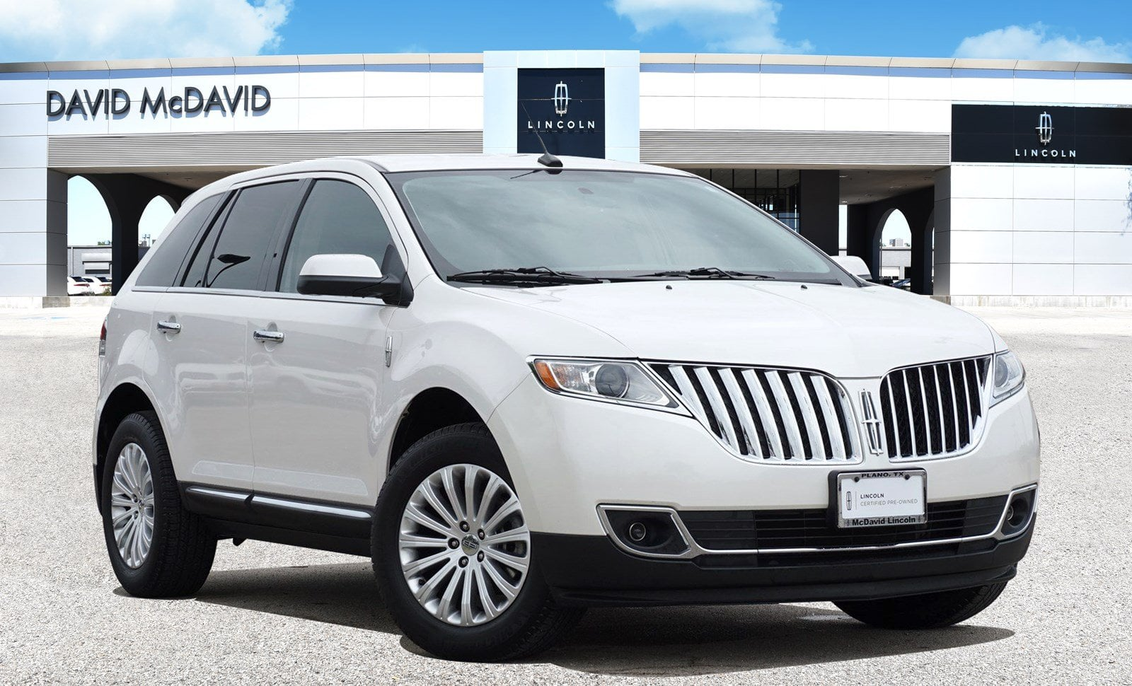 Photo Pre-Owned 2013 Lincoln MKX FWD 6 in PlanoDallasFort Worth TX