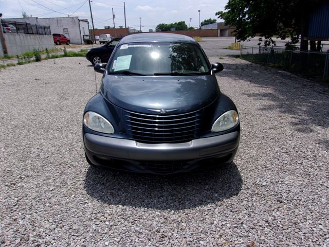 Photo 2002 Chrysler PT Cruiser SALVAGE TITLE Limited Edition SUV for Sale in Saint Robert