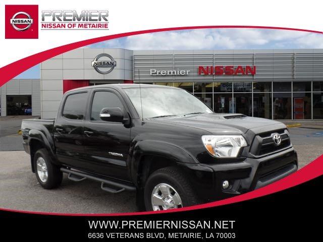 Photo Used 2014 Toyota Tacoma 2WD Double Cab Short Bed V6 Automatic PreRunner