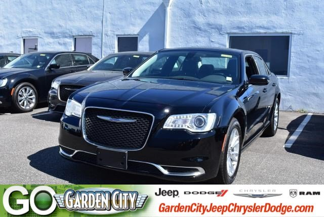Photo Used 2017 Chrysler 300 Limited Limited RWD For Sale  Hempstead, Long Island, NY