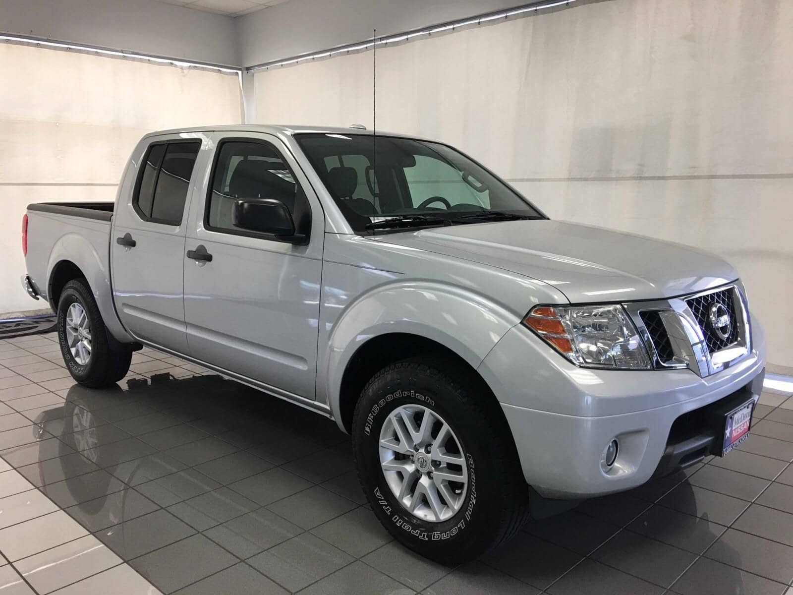 Photo Used 2015 Nissan Frontier For Sale  Houston TX