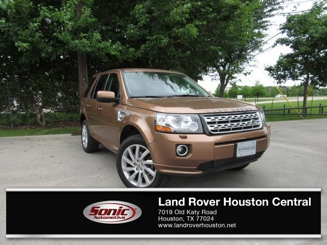Photo Used 2014 Land Rover LR2 AWD 4dr in Houston
