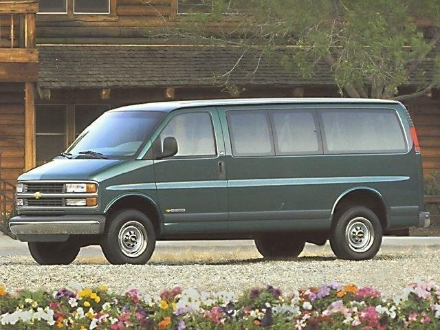 Photo 1999 Chevrolet Express Van Van G1500 Passenger Van Rear-wheel Drive in Irving, TX