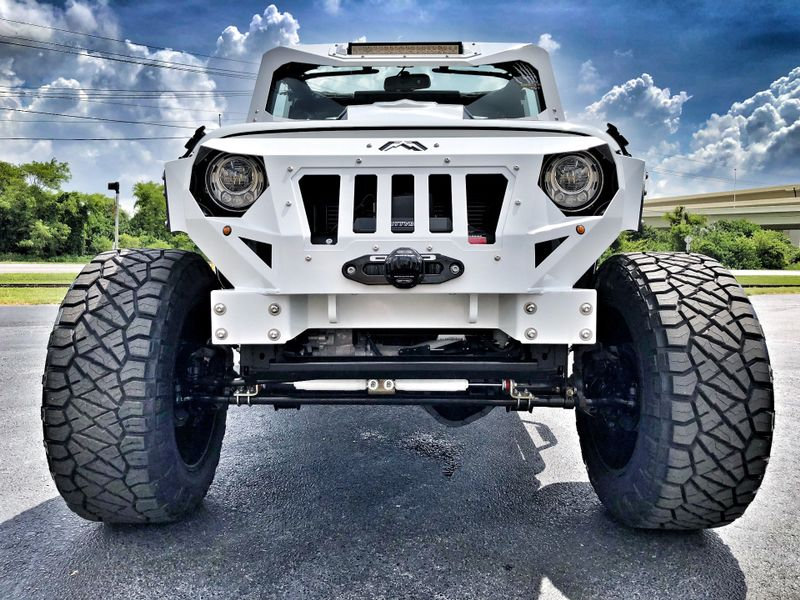 Photo Used 2018 Jeep Wrangler JK Unlimited RUBICON ARMOR WHITE-OUT LEATHER NAV HARDTOP