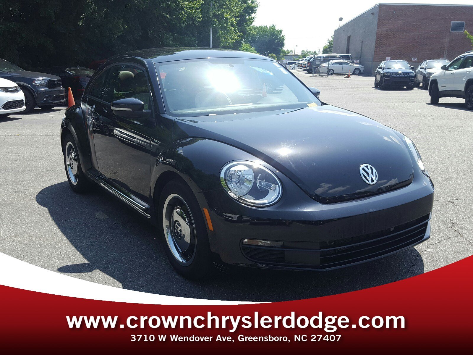 Photo Pre-Owned 2016 Volkswagen Beetle 1.8T Classic Hatchback in Greensboro NC