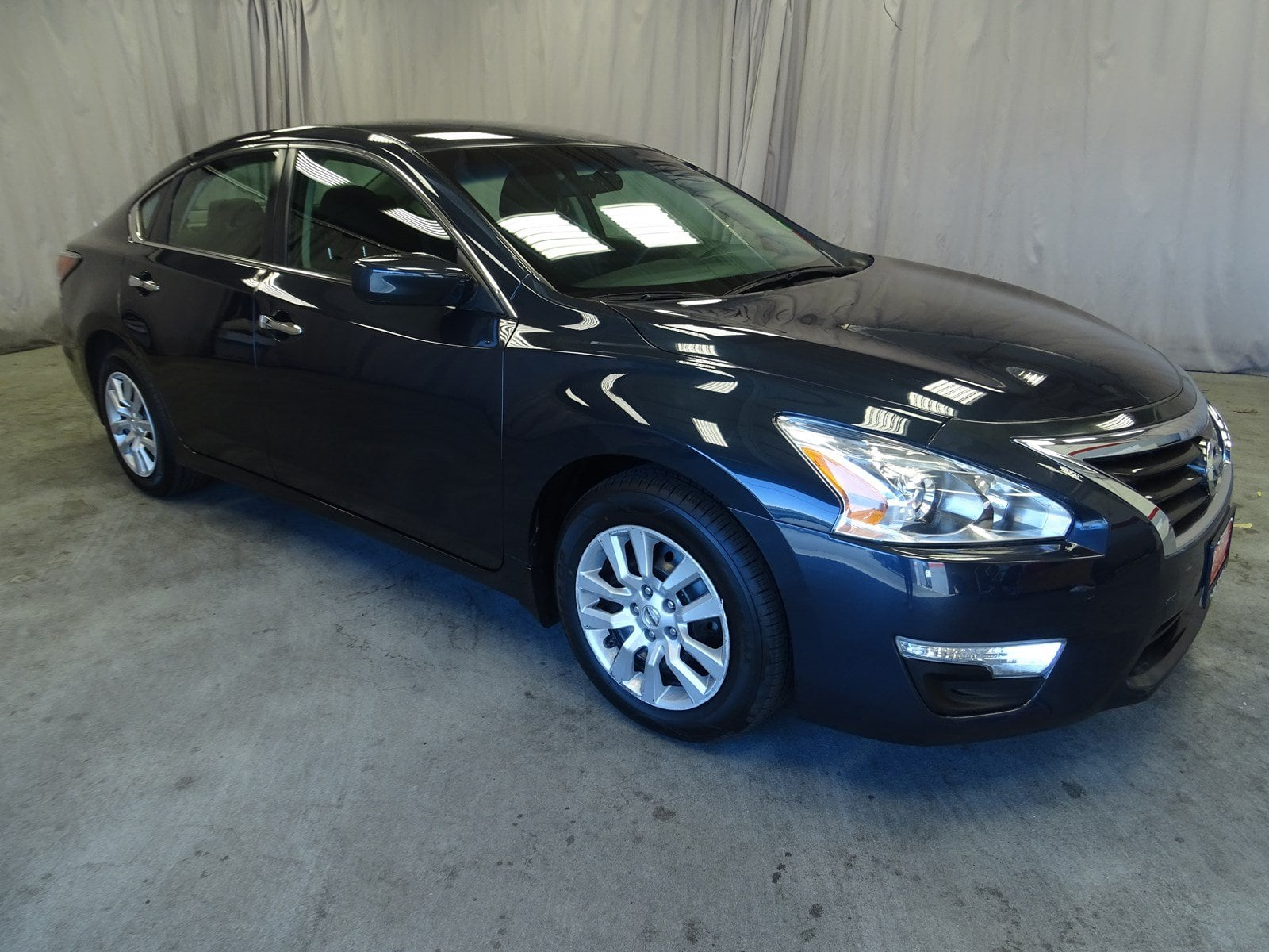 Photo Used 2014 Nissan Altima 2.5 S For Sale in Sunnyvale, CA