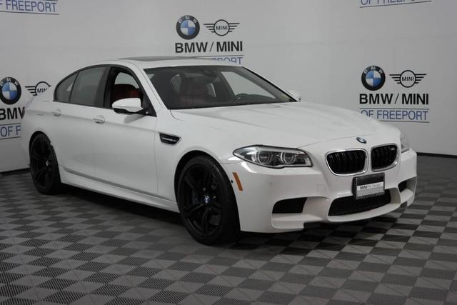 Photo Pre-Owned 2015 BMW M5 Rear Wheel Drive Sedan