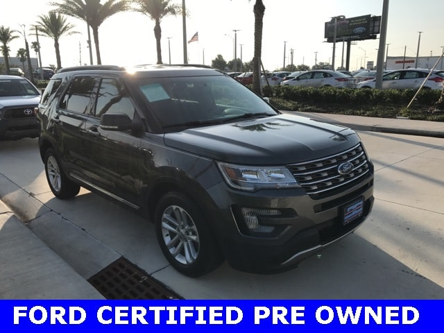 Photo Used 2017 Ford Explorer XLT W Hands Free Liftgate, Remote Start, 8 Displa SUV V-6 cyl in Kissimmee, FL