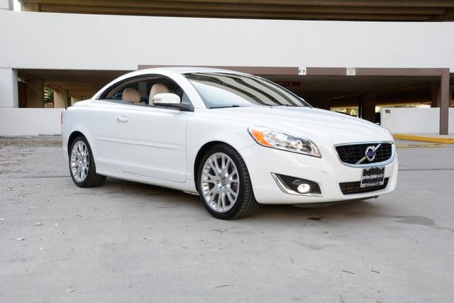 Photo Certified Pre-Owned 2013 Volvo C70 T5 Convertible For Sale San Antonio, Texas